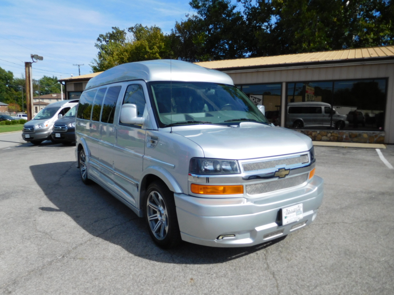 17 CHEVY EXPRESS EXPLORER LIMITED SE