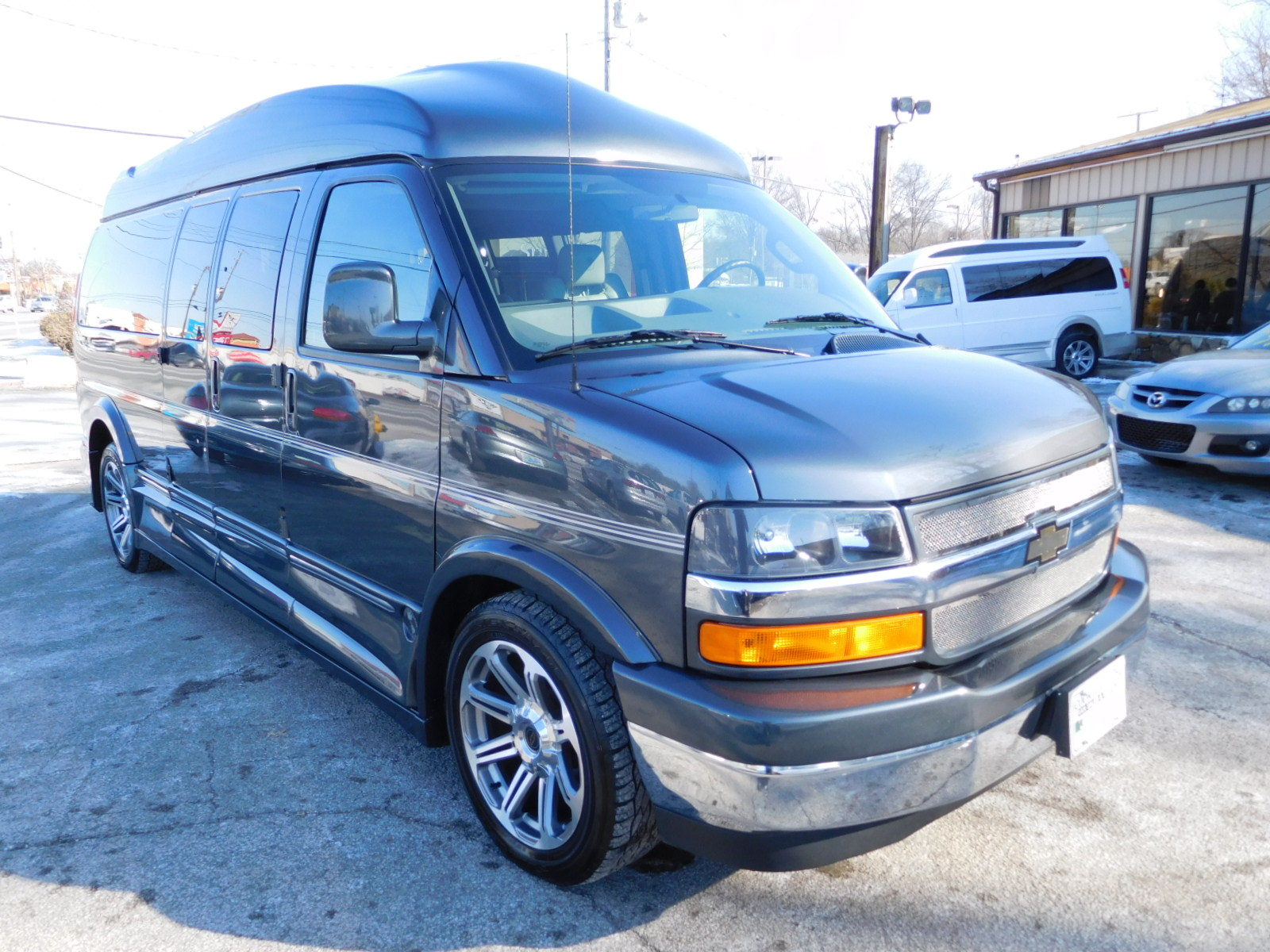 17 CHEVY EXPRESS 9-PASSENGER EXPLORER LIMITED SE
