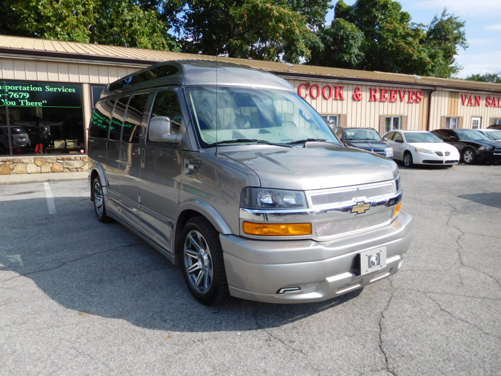 18 CHEVY EXPRESS 2500 EXPLORER LIMITED SE