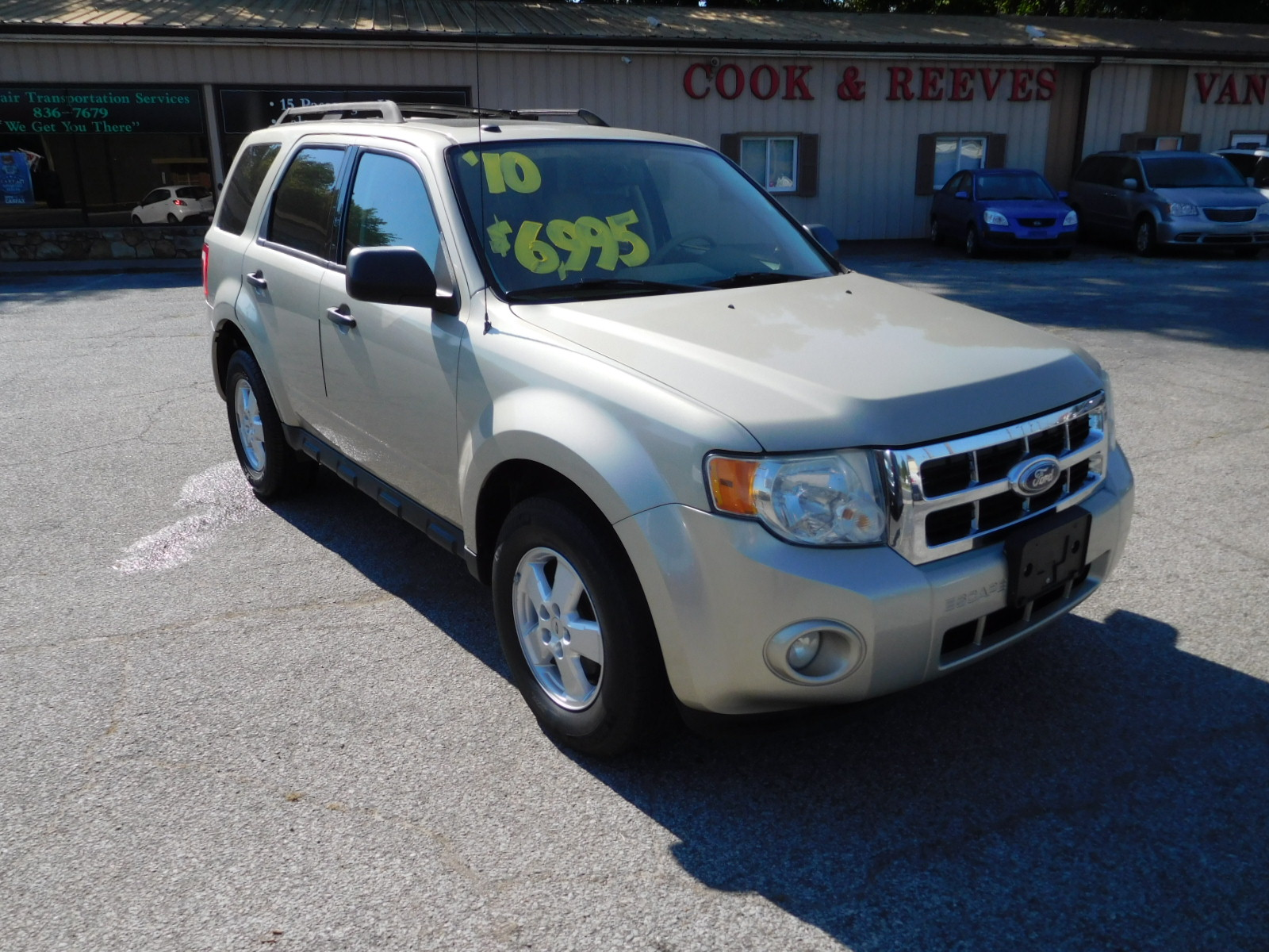 10 Ford Escape XLT