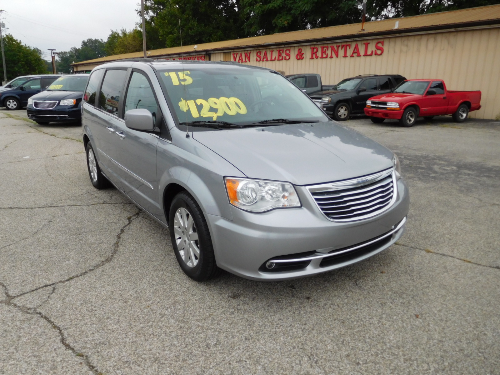 15 Chrysler Town & Country Touring