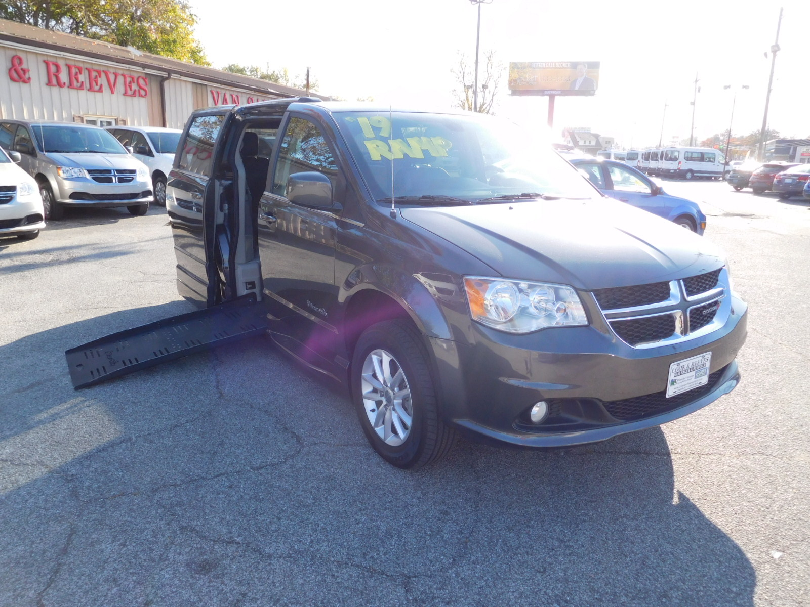 19 Dodge Grand Caravan SXT Braun Entervan XT