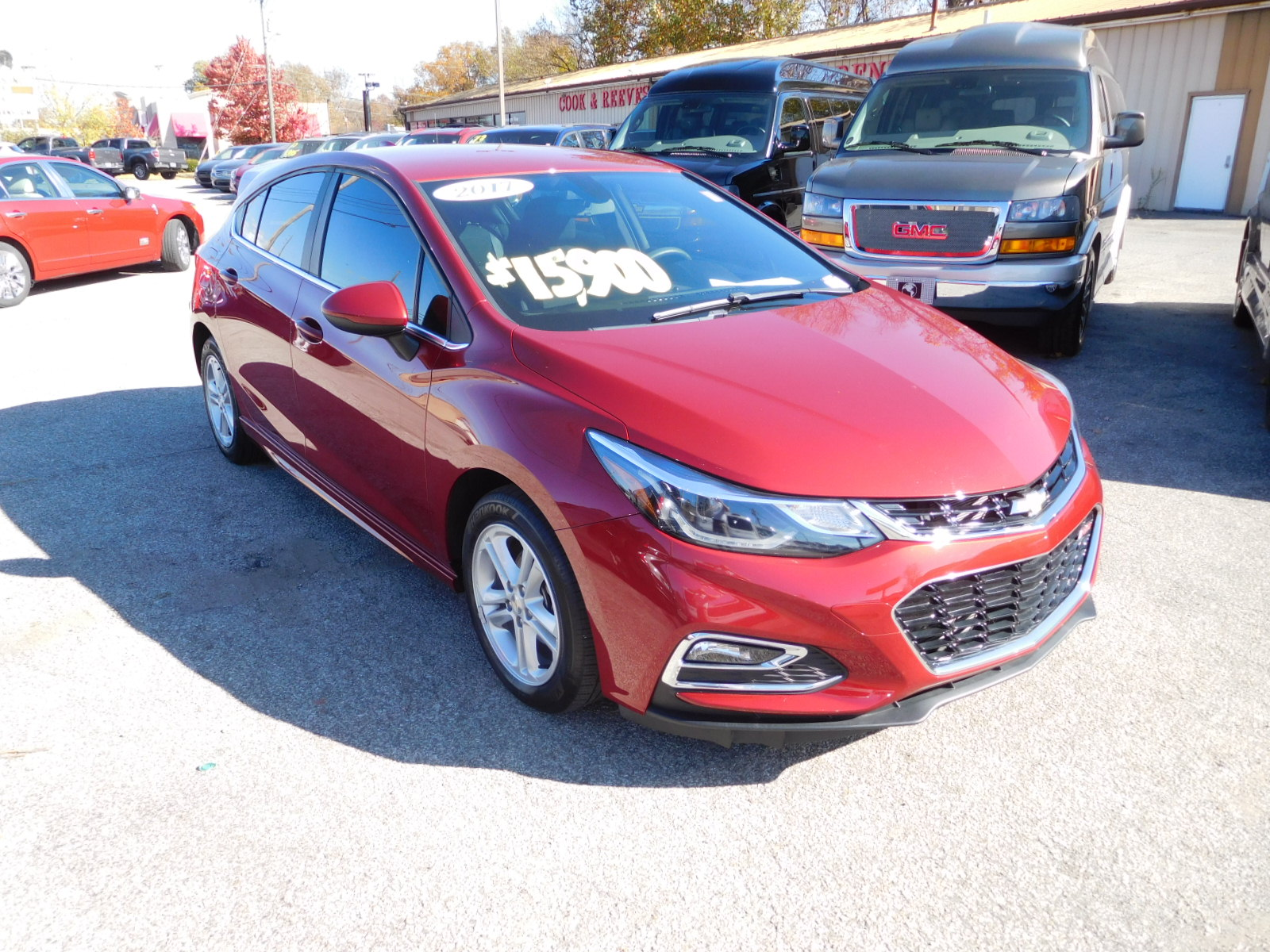 17 Chevy Cruze Lt  Hatchback