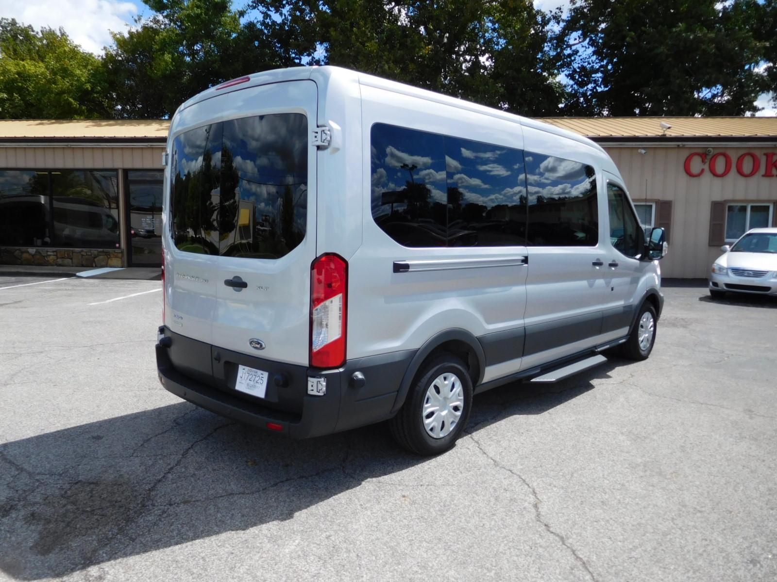 Rentals   Cook & Reeves Van Sales & Rentals  Minivan